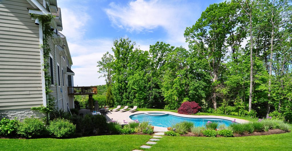 Contemporary Architectural Poolscape, Hudson River Valley, NY