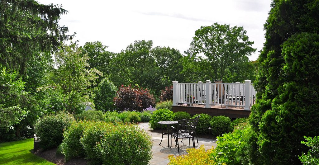 Contemporary Deck And Patioscape, Central Westchester